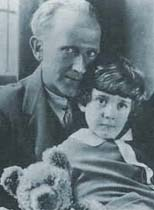 Photo of AA Milne with his son Christopher Robin Milne